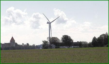 Store vindmøller på Lolland - her i Rødby Fjord.